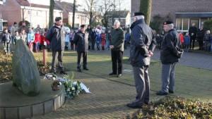 Herdenking monument Eikenlaan Berkum 2014 (1)